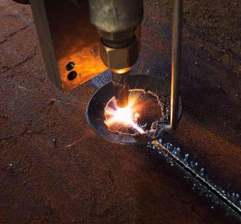 plasma-laser-cnc-industrial-machine-cutting-iron-steel-metalwork-workshop (1)
